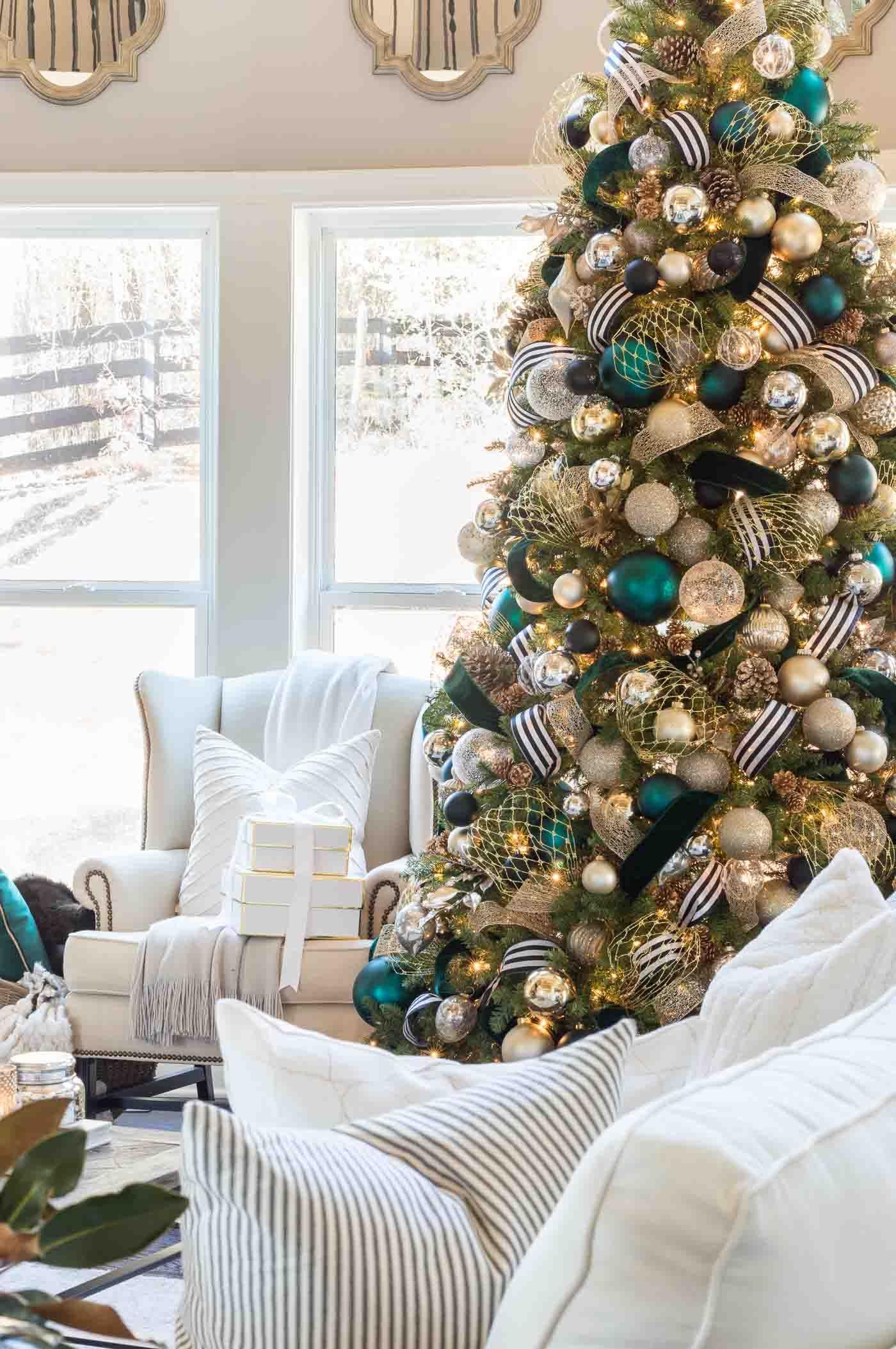 christmas home tour holiday decorations and unique color schemes rh pinterest es