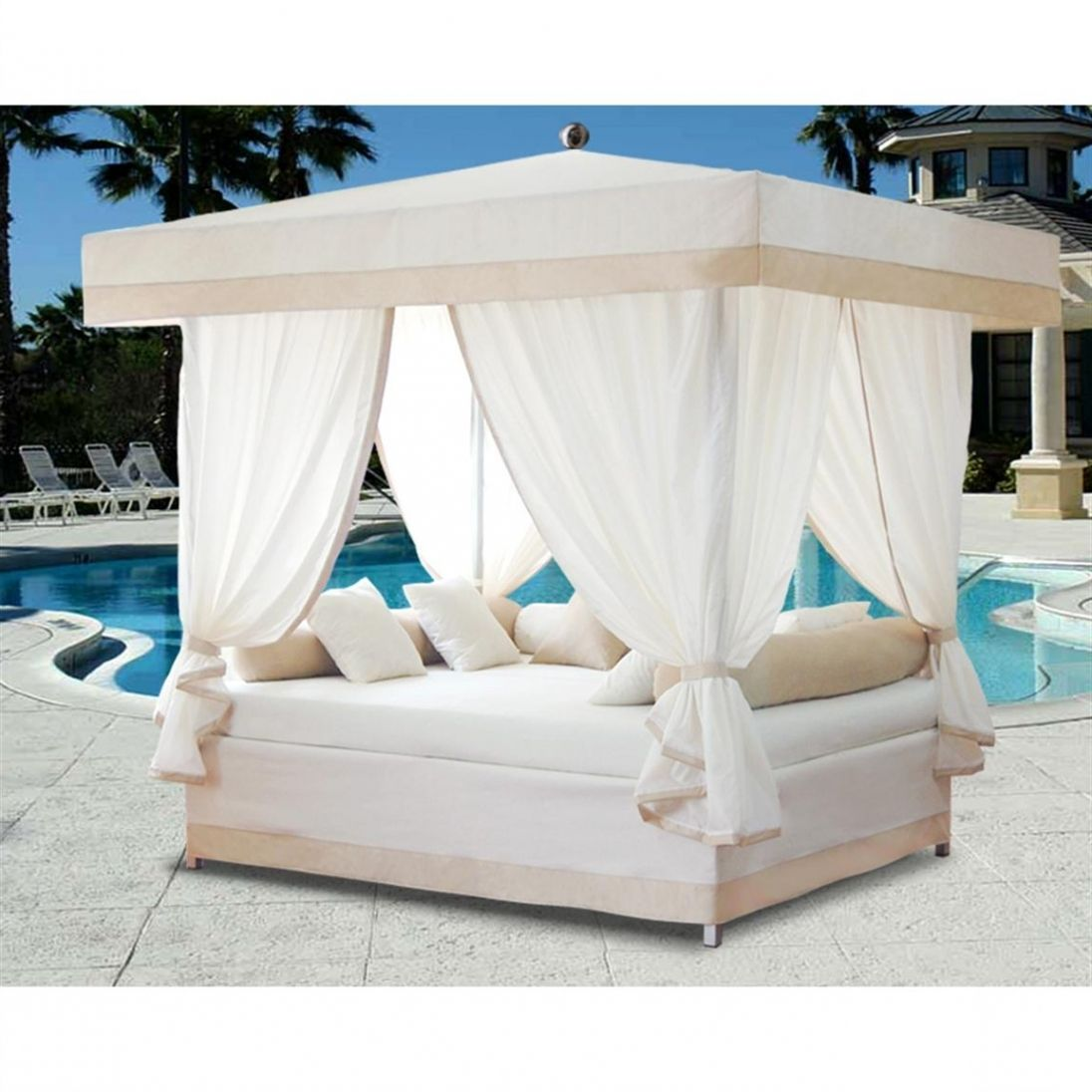 40 Beautiful Cozy And Romantic Outdoor Canopy Bed Ideas Collections Freshouz Com Outdoor Canopy Bed Luxury Patio Furniture Full Bedding Sets