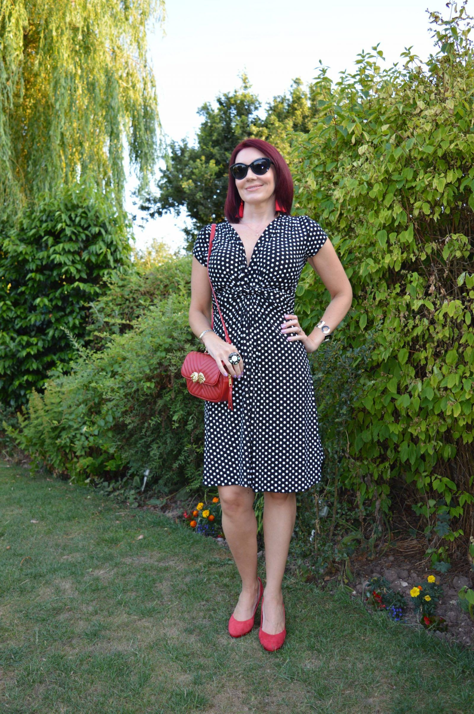 Black And White Polka Dot Dress With Red Accessories White Polka Dot Dress Polka Dot Dress Red Accessories [ 2407 x 1600 Pixel ]