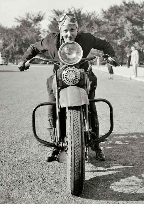 نتيجة بحث الصور عن ‪The First Female Motorcycle License‬‏
