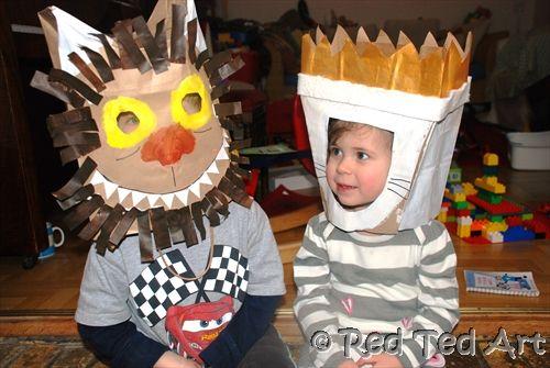 Carantonhas feitas de sacos de papel. Tutorial em: http://www.redtedart.com/2012/02/06/where-the-wild-things-are-craft/ Great World Book Day Costume!