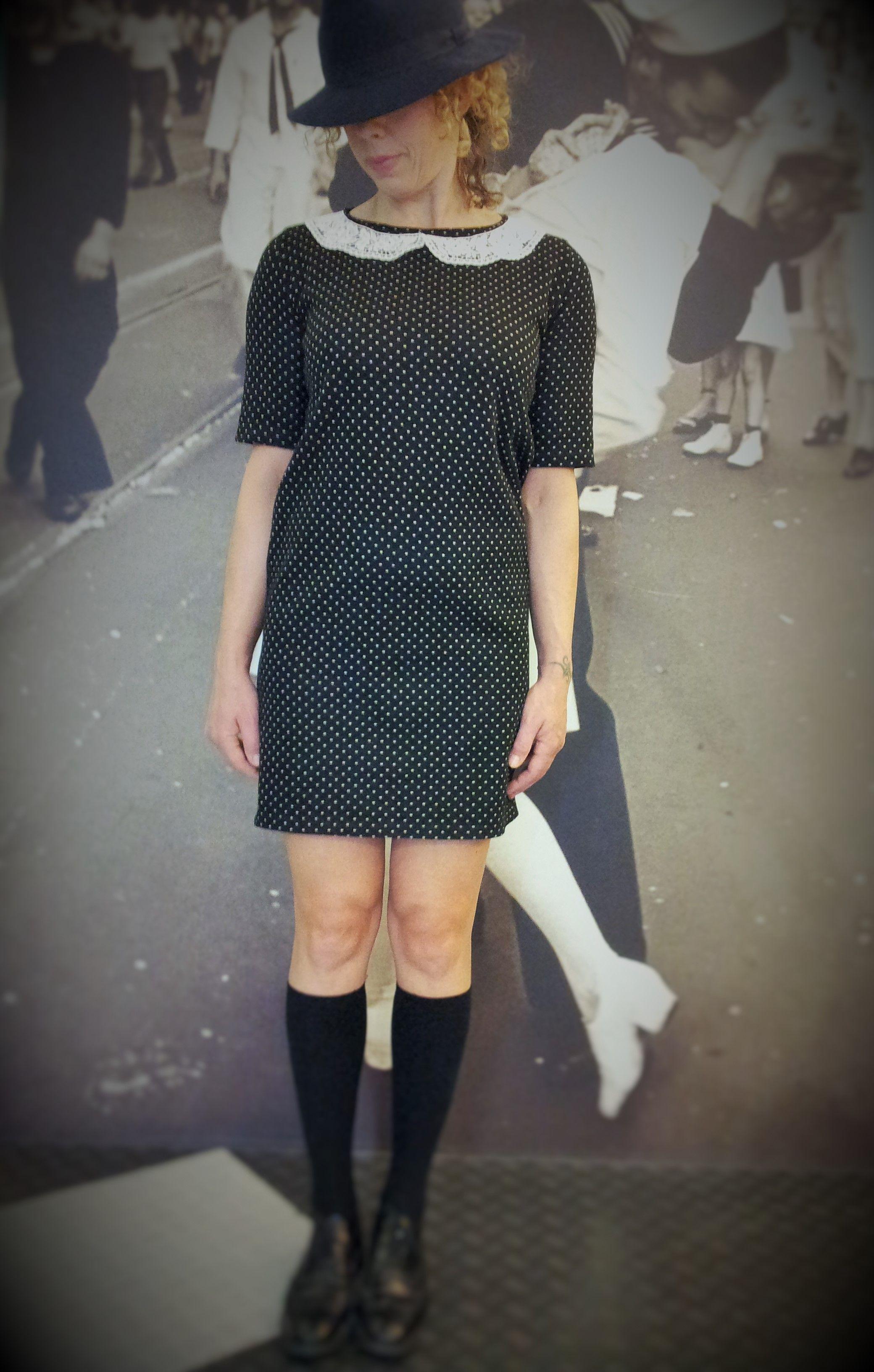 Abito BD  Tessuto Punto Milano nero con micropois bianchi, colletto cotone pizzo macramè bianco.