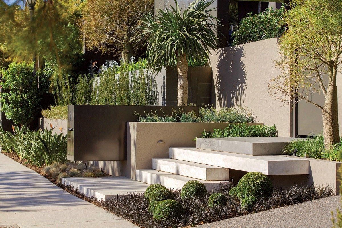 There Was Much Chatter About This Particular Project In Bayside Melbourne The Scale And Detail In The Desi Home Garden Design Tiered Landscape Bluestone Steps