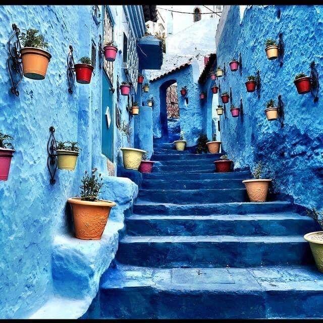 مدينة شفشاون المغربية ذات اللون الأزرق الم بهج وتعتبر منطقة جذب سياحي مهمة في المغرب Abstract Abstract Artwork Painting
