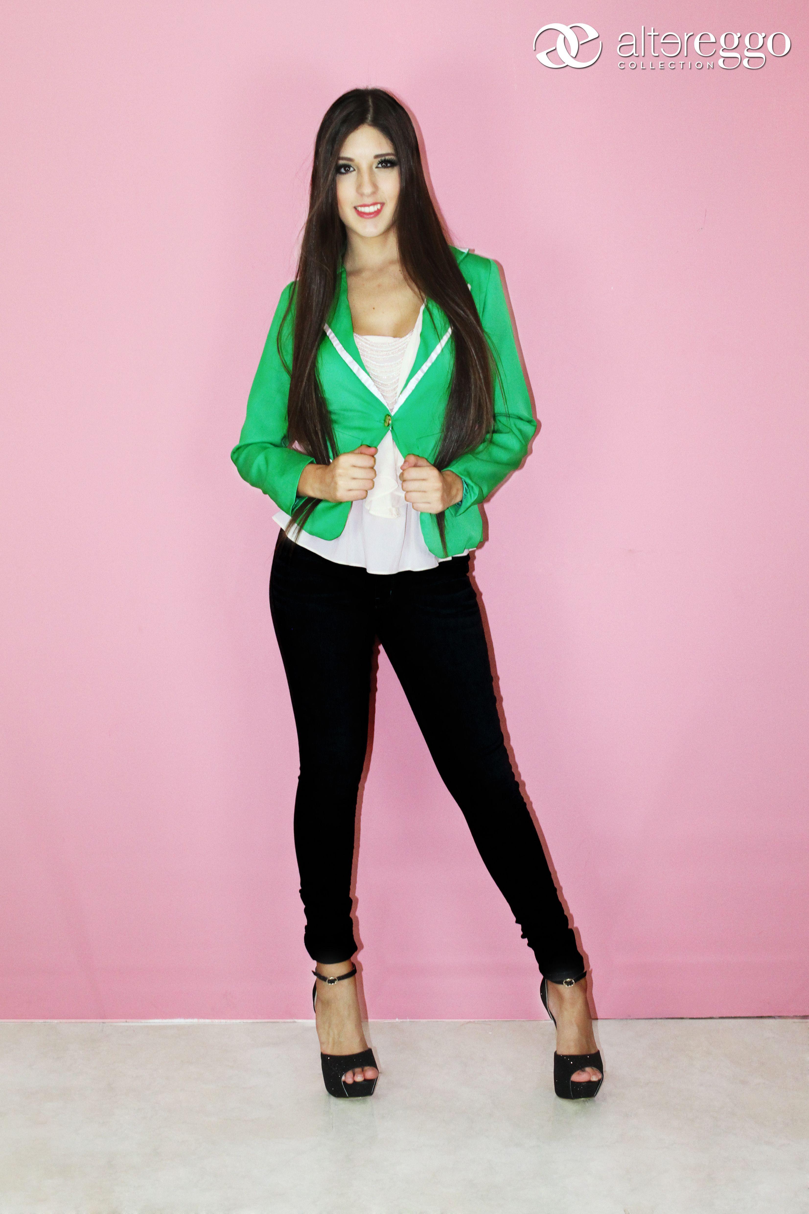 pantalon #negro #blazer #verde #blusa #perla #tacones #negro #outfit ...