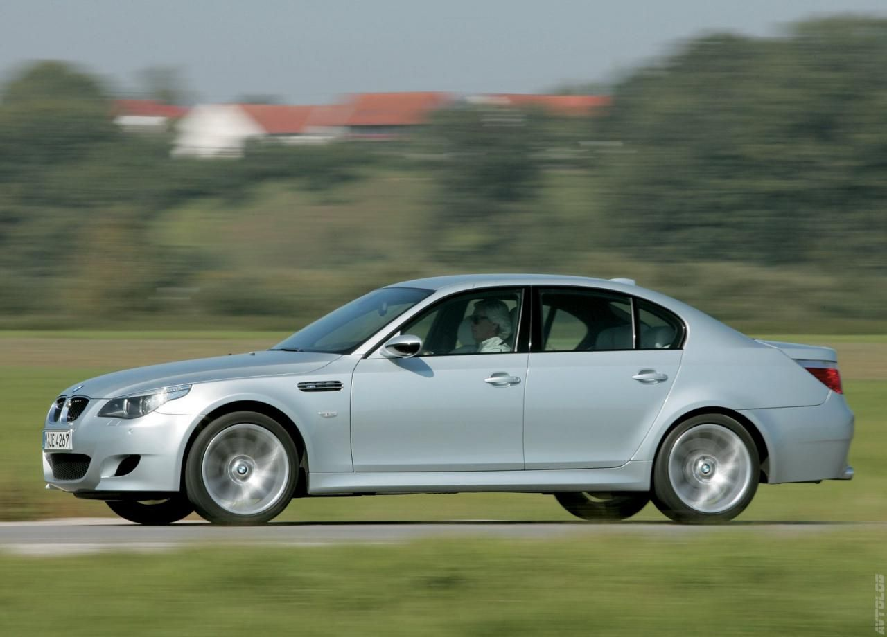 2005 BMW M5