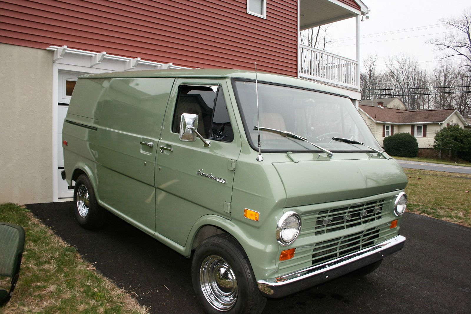 Idea By Byron Myles On 1993 Ford Econoline Vans Ford Van Vans