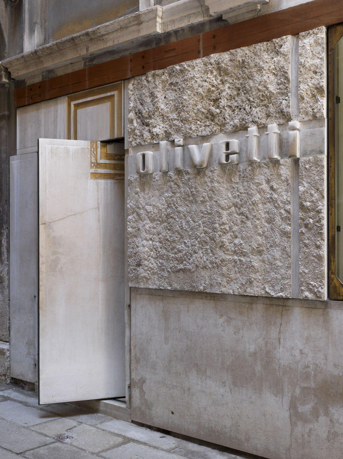 Olivetti Show-room- Venezia. Carlo Scarpa - Carlo Intrini Photography. 30d6dd71f83b3