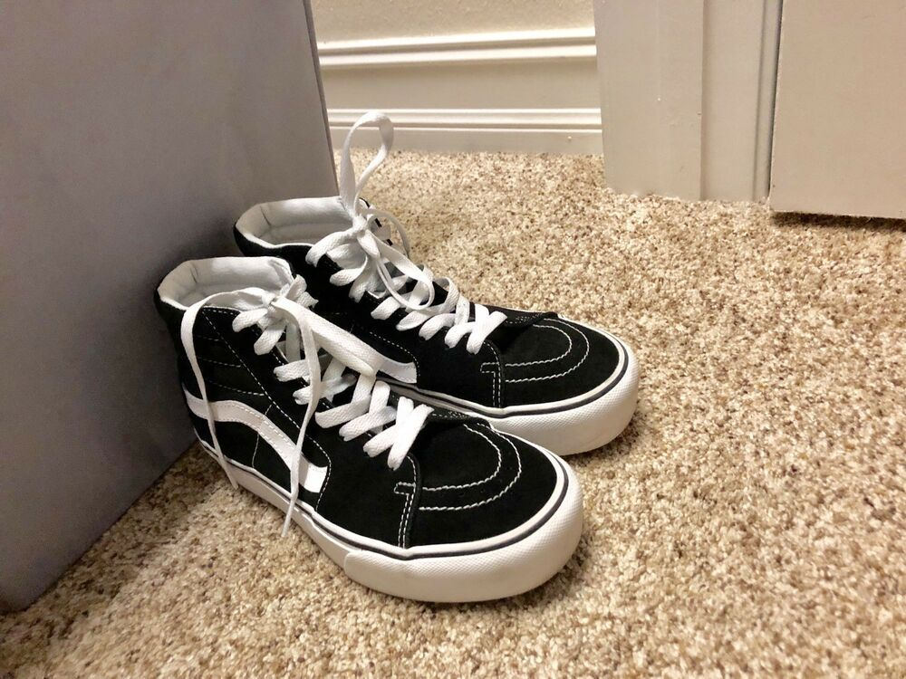 ecded411b70 High top black and white Vans size 7 womens And US size 5 1 2 mens!   fashion  clothing  shoes  accessories  womensshoes  athleticshoes (ebay  link)