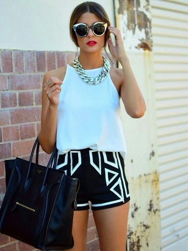 Love the shorts, necklace & sunglasses!