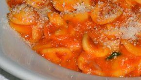 Orecchiette con sugo di pomodoro fresco