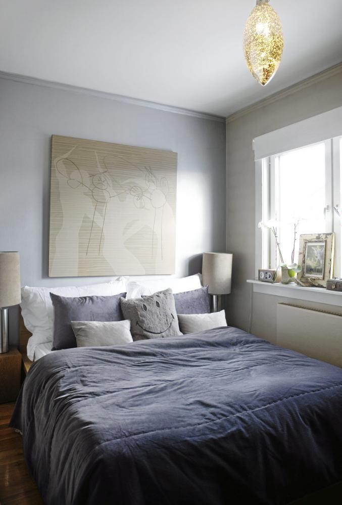 SOVEROM: Det myke sengeteppe i fløyel gjør at rommet, som er stramt i stilen, blir mykt og innbydende. Sengeteppe fra Konzept HP.