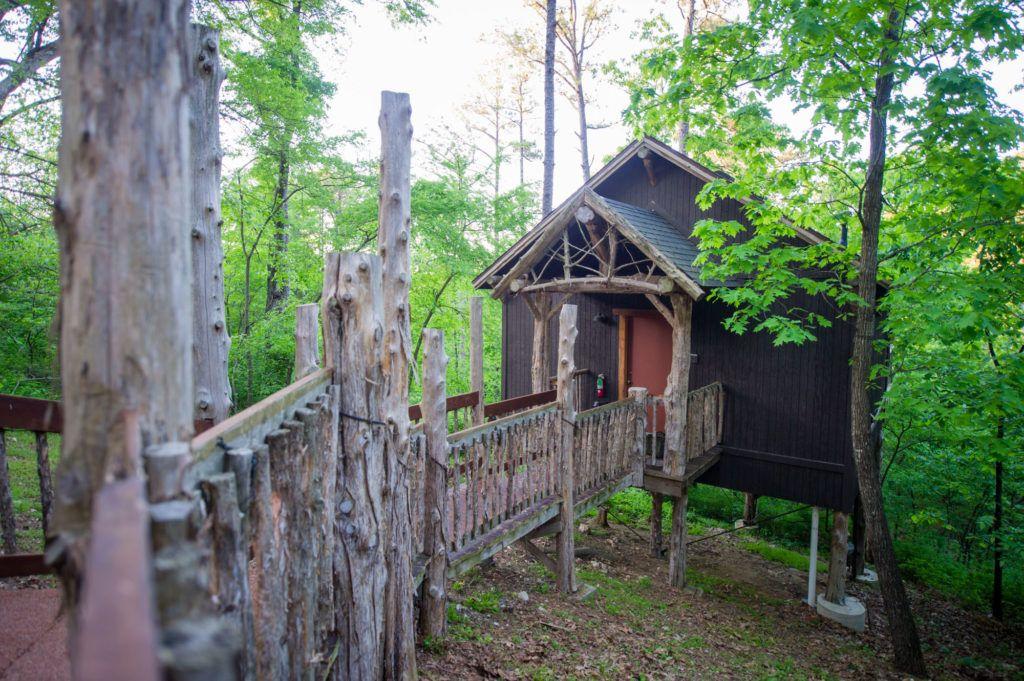 15 Best Romantic Weekend Getaways In Arkansas The Crazy Tourist Romantic Weekend Getaways Romantic Weekend Weekend Getaways