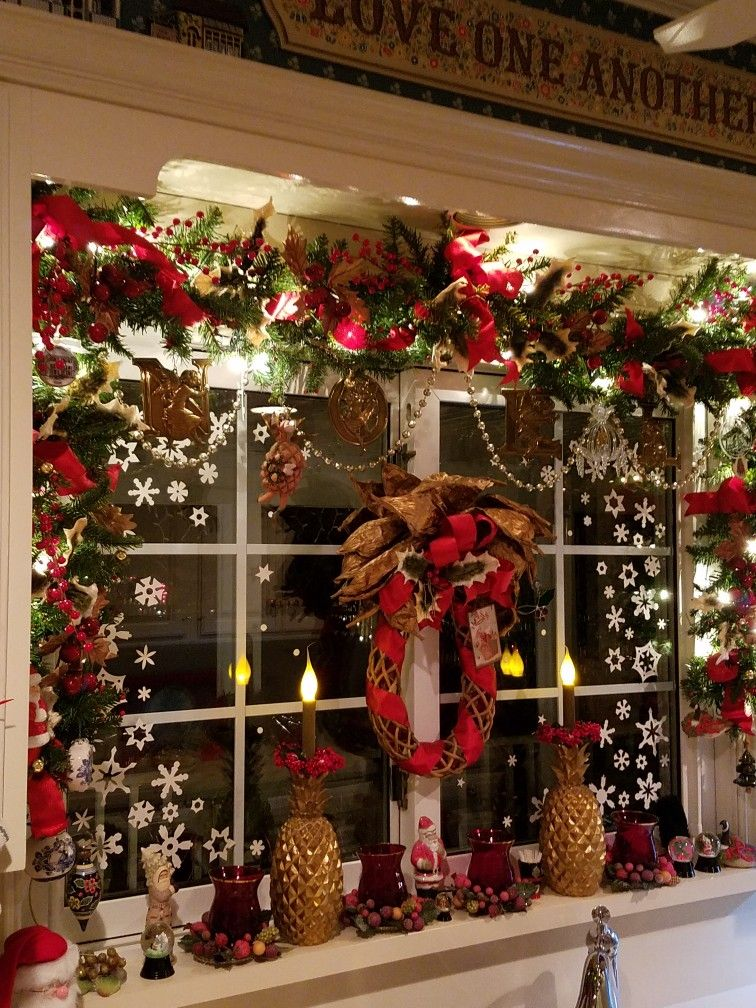 Christmas Lighted Garlands.Lighted Garlands Added Ribbons And Ornaments Dress Up