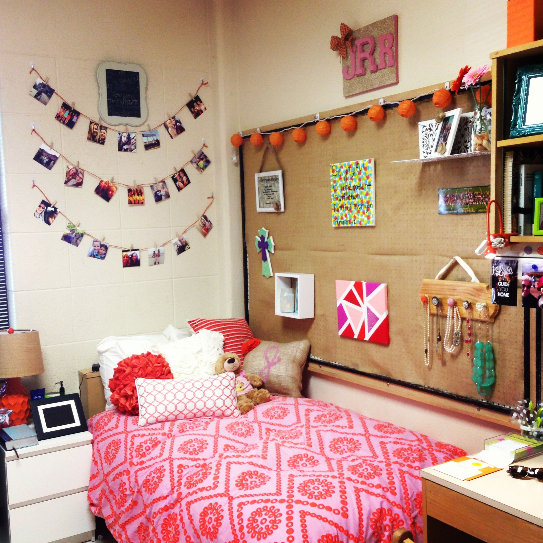 Baylor dorm room not too shabby rooms pinterest for Decorar habitacion residencia universitaria