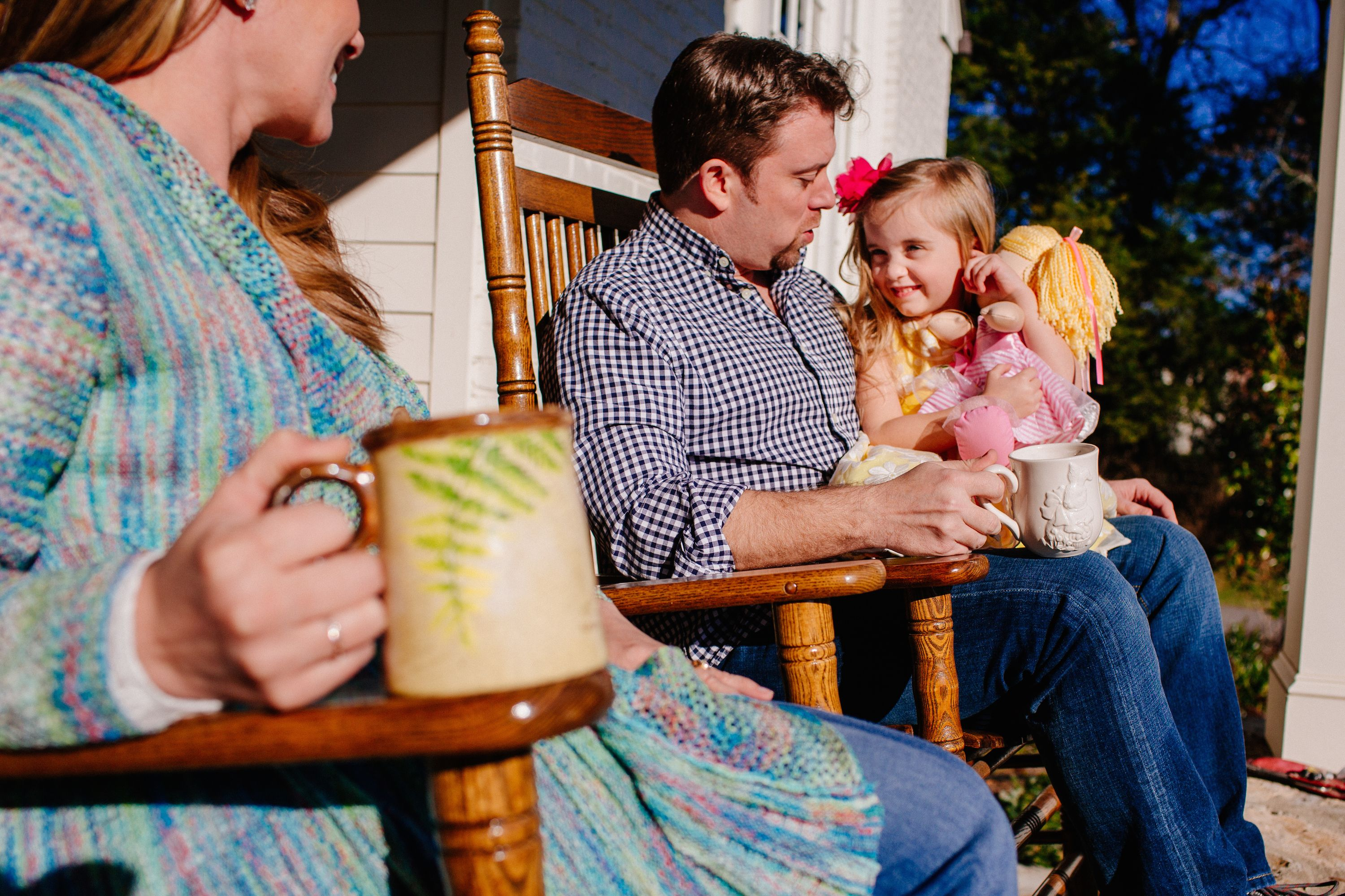 Make The Front Porch A Go To Spot For Family Time During The Warmer Months With Inviting Seating And D Cracker Barrel Front Porch Decorating Old Country Stores