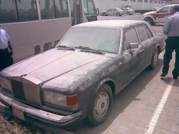 In continuation of our post on deserted super cars in Dubai, a number of pictures have surfaced over the internet about more cars that are possibly dream cars for most of us. Description from photosblast.blogspot.com. I searched for this on bing.com/images