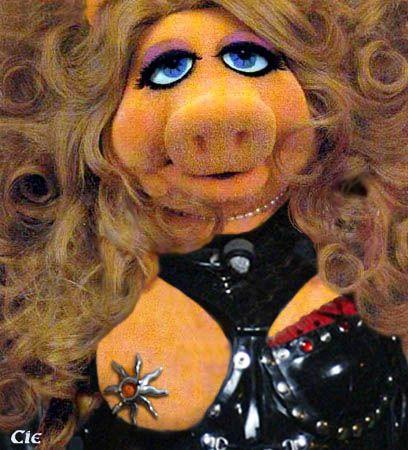 Resultado de imagem para miss piggy nip slip