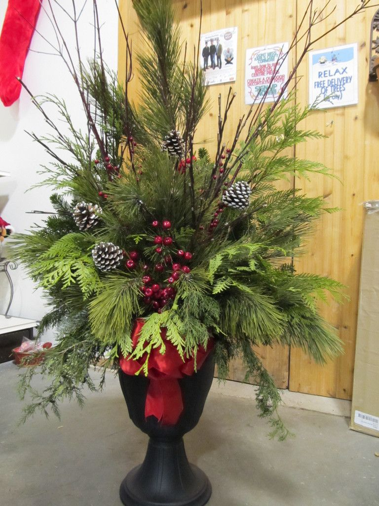 Christmas Planters For Front Porch.Decorating With Artificial Grass In Urns Or Planters Faux