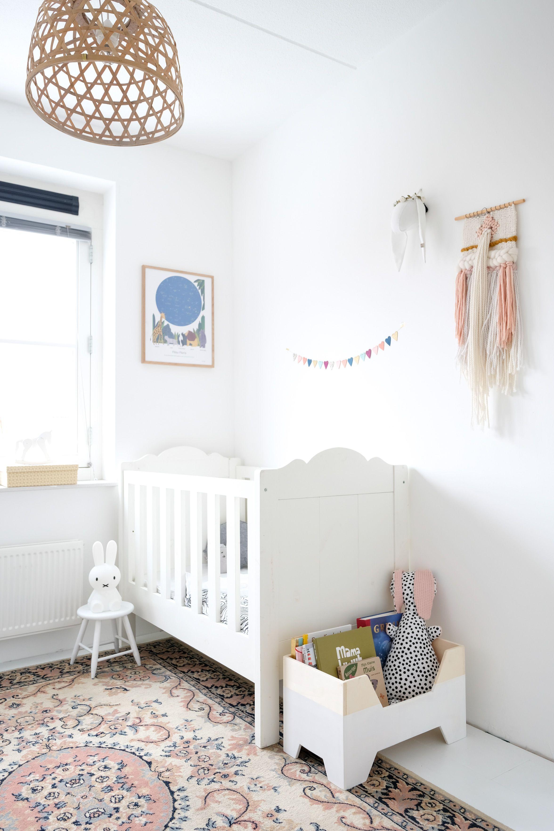Inspiratie Babykamer Inrichting.Binnenkijken In De Babykamer Interior Kids Baby Cribs Baby