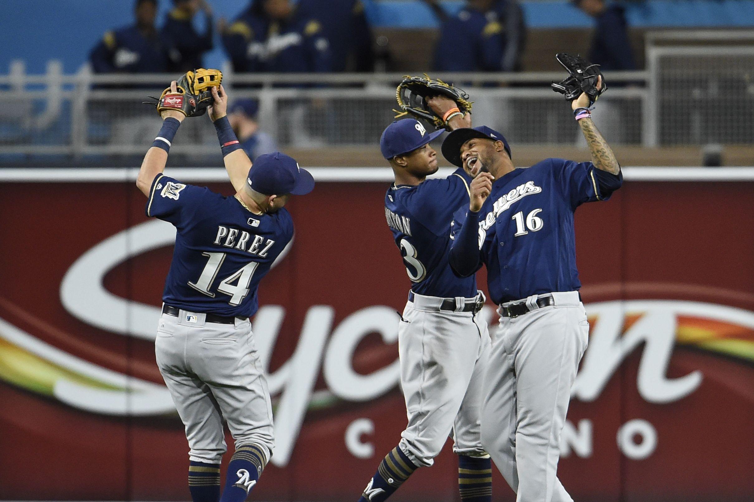 Facebook Will Stream 20 Mlb Games For Free This Season Baseball Live Sports Baseball Basketball Game Tickets