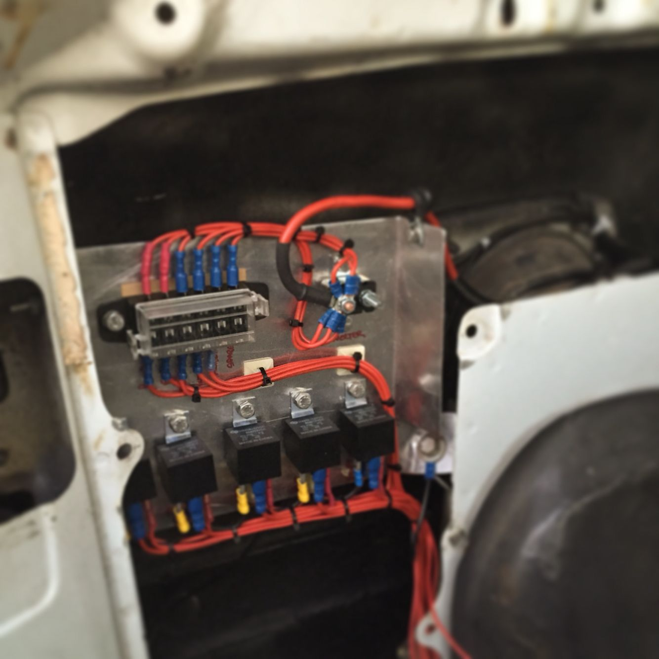 f8b010 land rover defender auxiliary fuse box | wiring resources  wiring resources