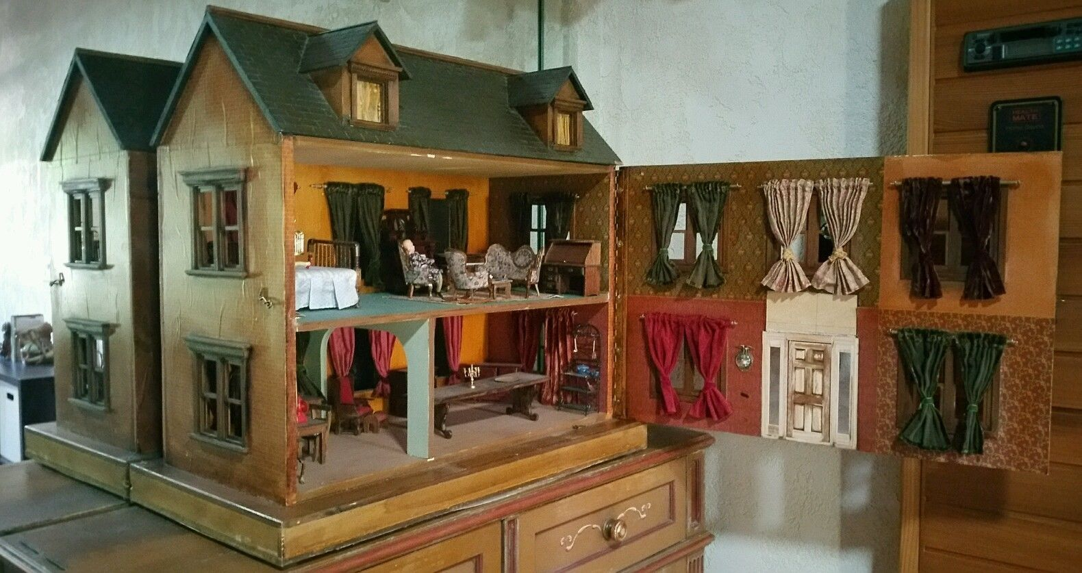 Victorian miniature houses - Screen Used Original Prop Victorian Doll House From The Movie Peter Pan