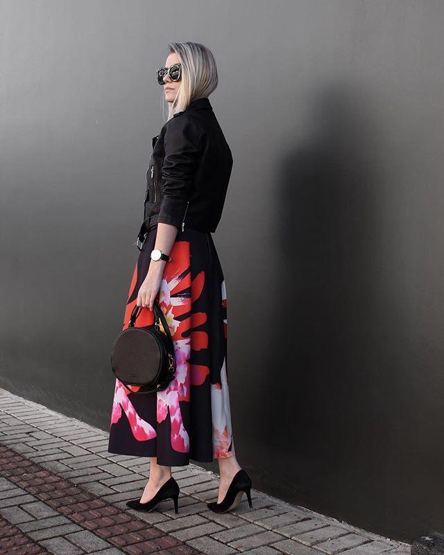 midi 🅢🅚🅘🅡🅣 . 💃🏼 tô chocada com essa saia da @sheinofficial ! vou deixar o link dela na bio pra quem quiser, tá? ♥️ me contem o que acharam do look . | jaqueta e bolsa: @lojasrenner | scarpin: @lojas_milano • #sheingals #sheinss17 #fashionista #estilo #ootd #lookdodia #hithelookface #instabgs #stylebr
