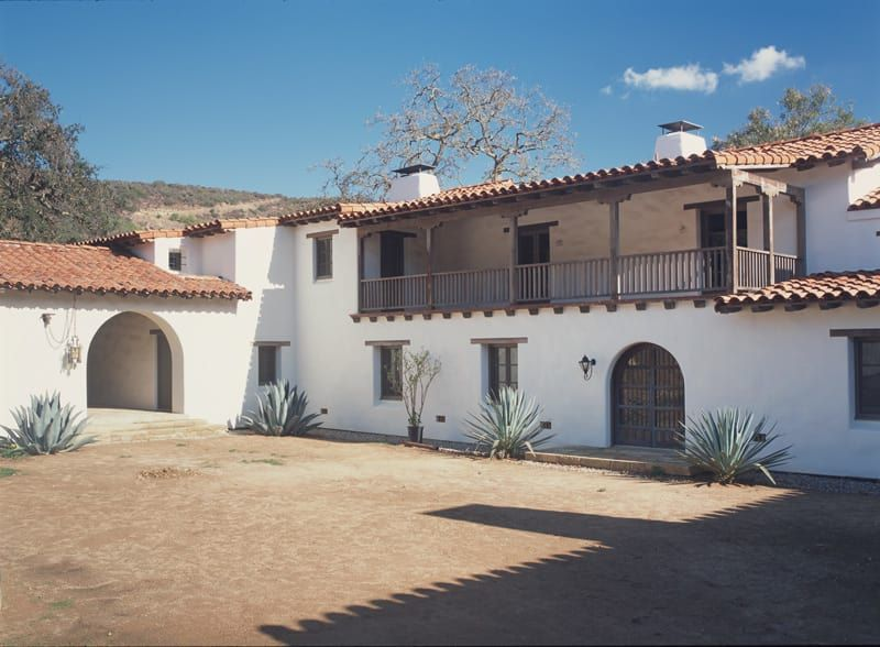 An Authentic Spanish Colonial Revival Hacienda Spanish Revival Home Hacienda Style Homes Spanish Colonial Homes