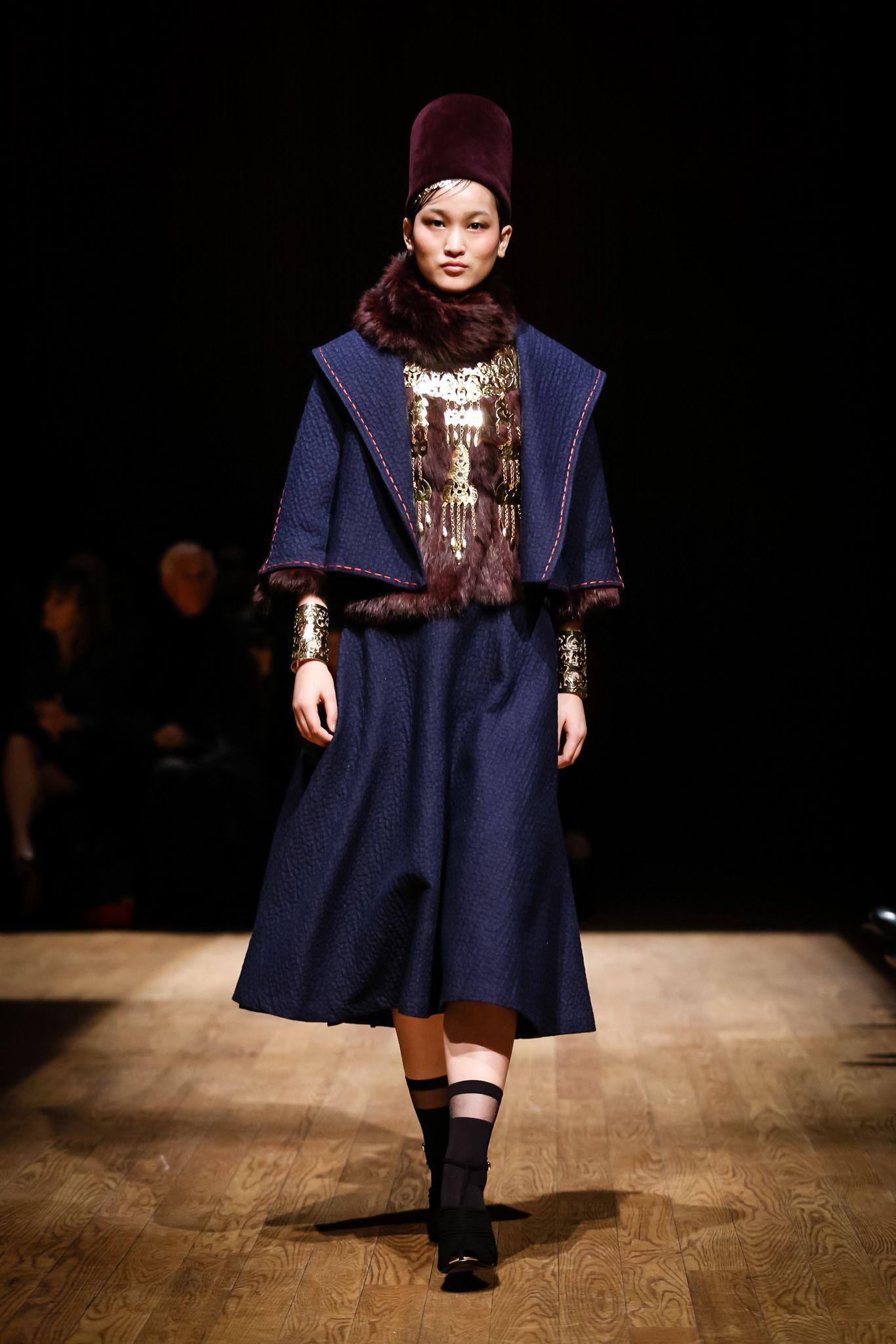Josie Natori - Fall 2015 Ready-to-Wear - Look 6 of 40
