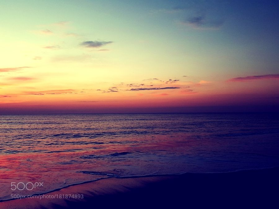 Fenwick Island Delaware sunrise over the ocean by delmarvausa