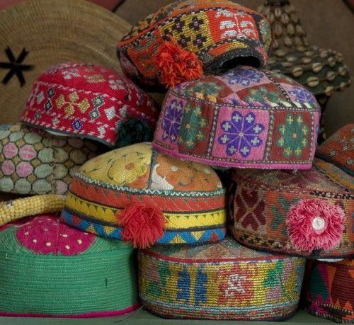 Embroidered fez entnick