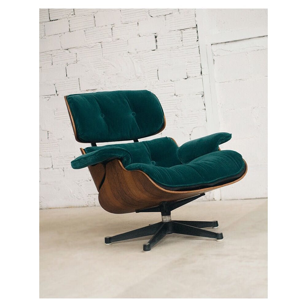 Poltrona Eames Velour Edicion Limitada Con 15 Off Ahora En Big Annual Sale Shoponline Bigannuals Eames Lounge Chair Eames Chairs Wayfair Living Room Chairs