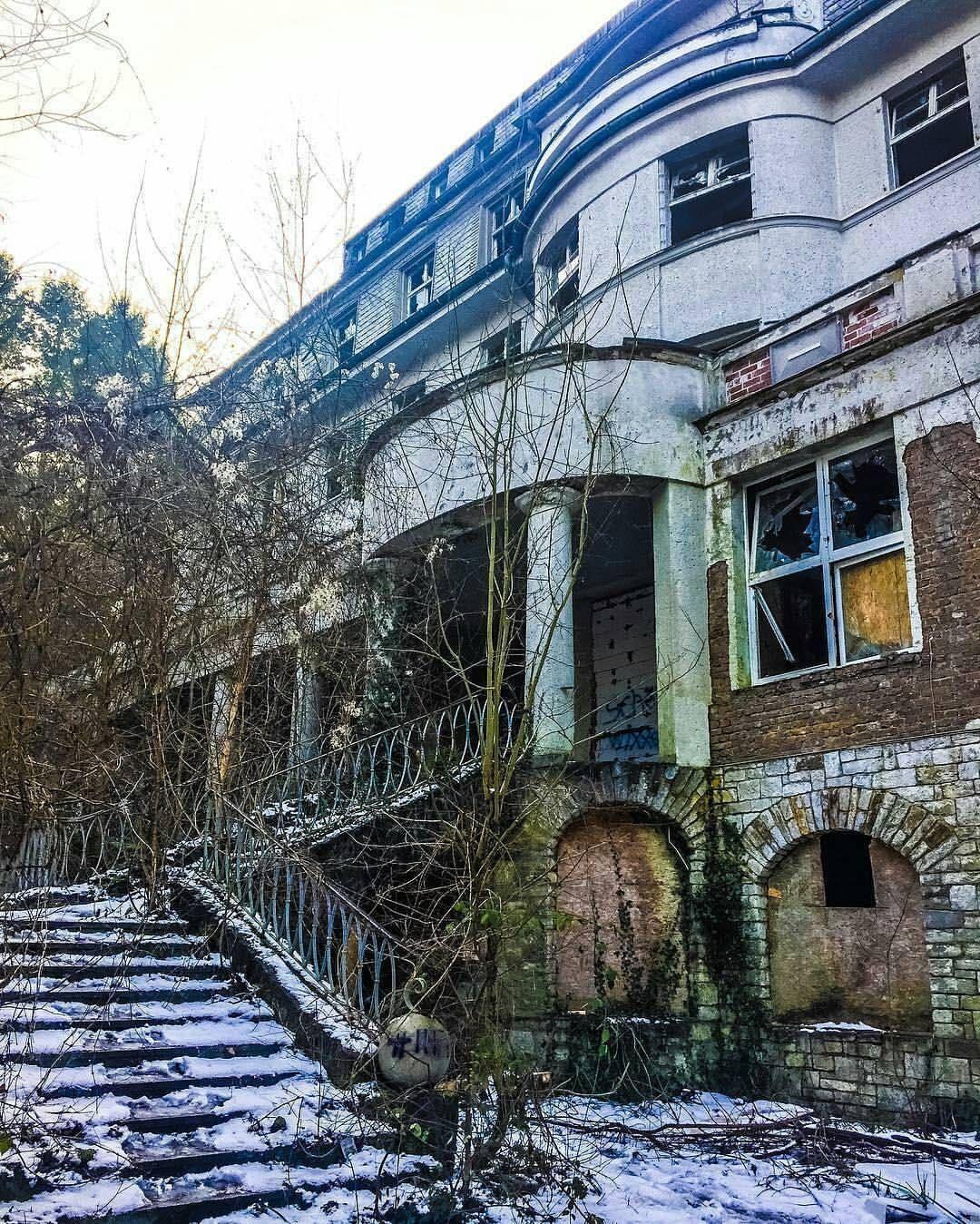 Lost Places Fotos: Gefällt 1,278 Mal, 19 Kommentare