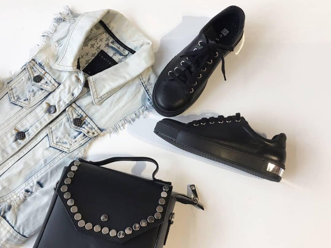 Czarne Sneakersy Nessi Nowa Kolekcja Wiosna 2018 Nessishoes Black Silver Leatherhandbag Bluejeans Design Rocky N Shoes Leather Handbags Spring Outfit