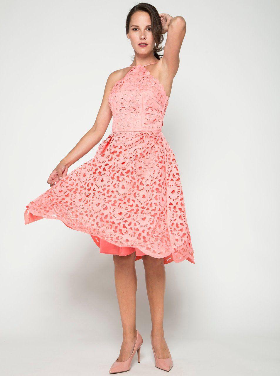 5f0c68d49578 Růžové krajkové šaty Chi Chi London