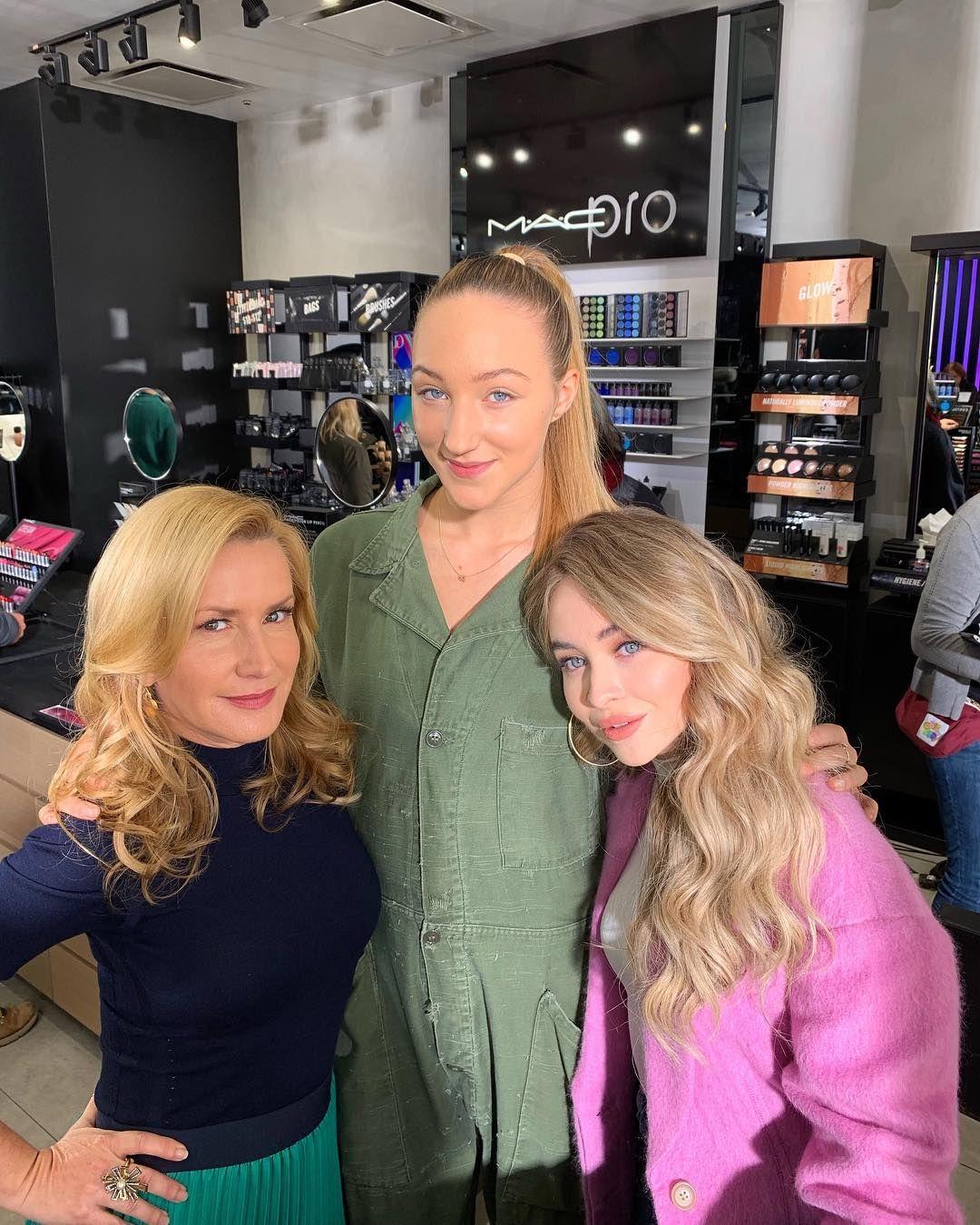 Snapchat Angela Kinsey nude photos 2019
