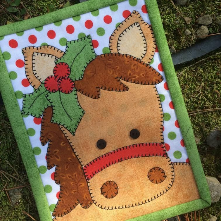 Free Quilt Pattern Holly Horse Mug Rug