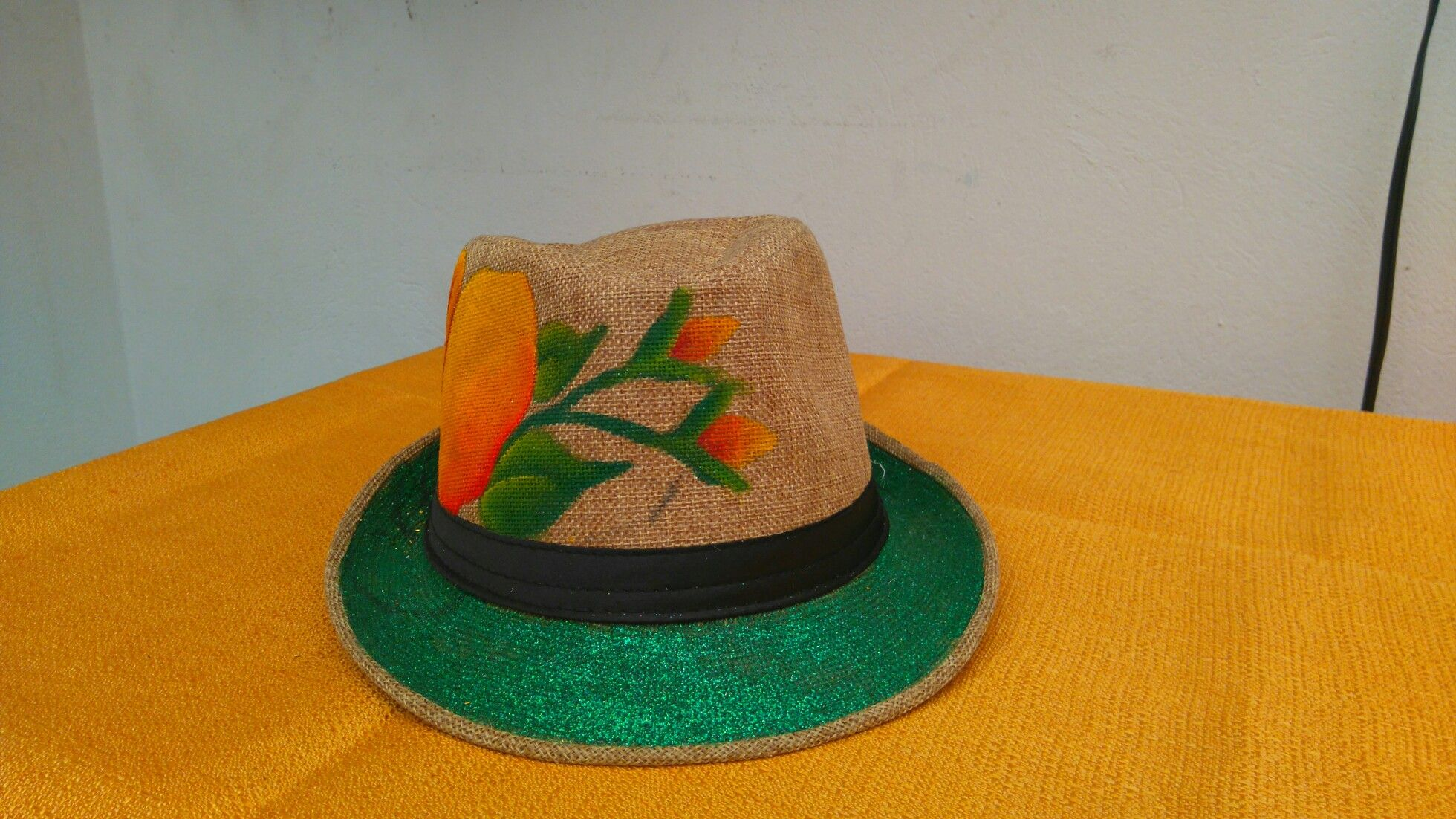 Sombreros pintados a mano  7ca7d222ae4