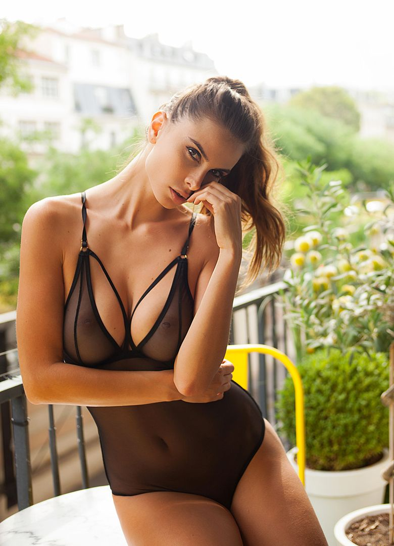 Alexandra Zimny Nude Photos 31