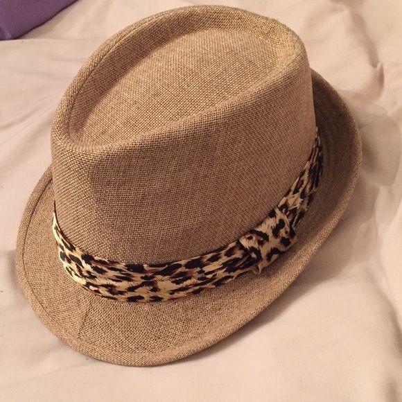 a4b291cb306 Wet Seal Cheetah fedora EUC worn once Wet Seal Accessories Hats