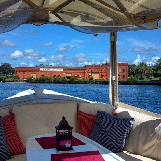 We don't know about you, but a boat ride around #TampaBay seems like a perfect weekend activity. 📷: #EBoatsTampa #Lifeat500HI #WeekendFun