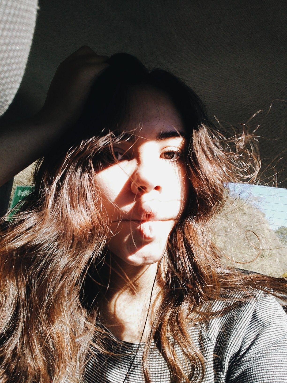 3a28db3ad8711 Insta pic   levasconcellos22   Selfie, wave hair, sunlight, picture ...
