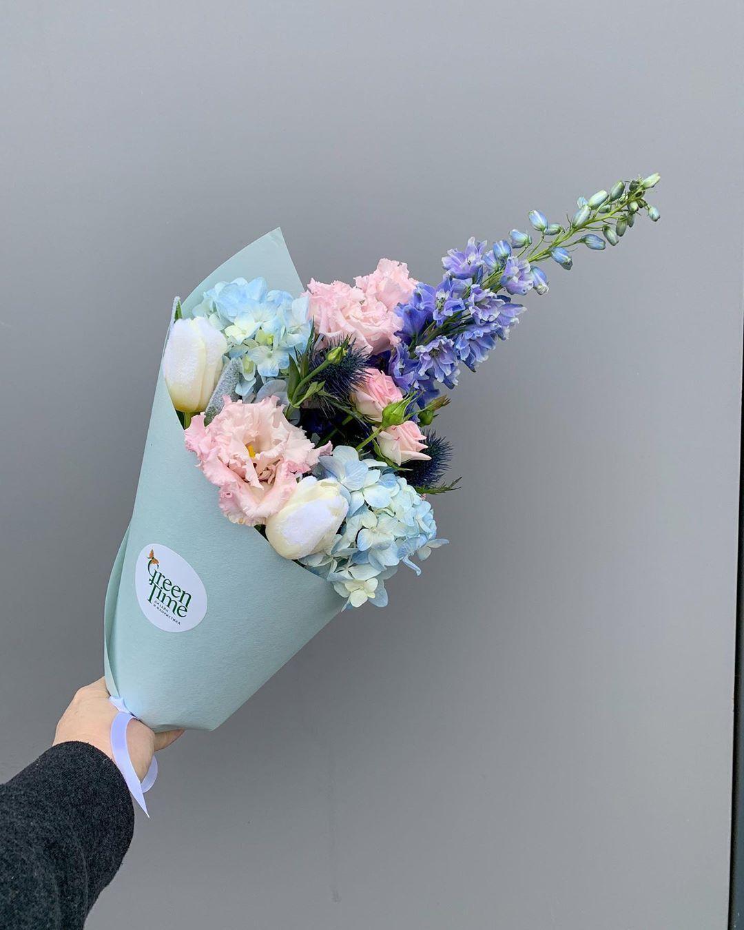 ДОСТАВКА ЦВЕТОВ ПО МОСКВЕ в Instagram: «БУКЕТ В КУЛЬКЕ - отличный способ  сделать недорогой и неожиданный подарок 🎁 ⠀ Преимущества … в 2020 г | Доставка  цветов, Букет, Цветы