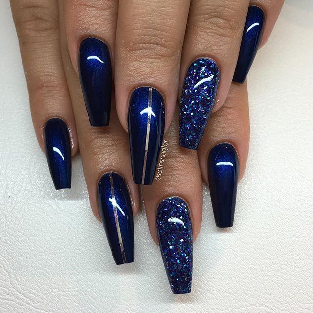 Midnight Blue Med Blatt Glitter Och Silverstripes Unas De Gel