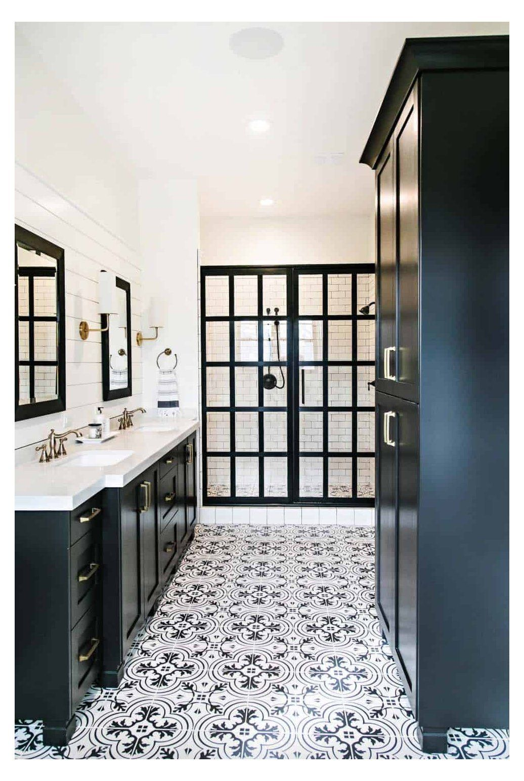 25 Incredibly Stylish Black And White Bathroom Ideas To Inspire Bathroomideas In 2020 Farmhouse Master Bathroom White Bathroom Black White Bathrooms