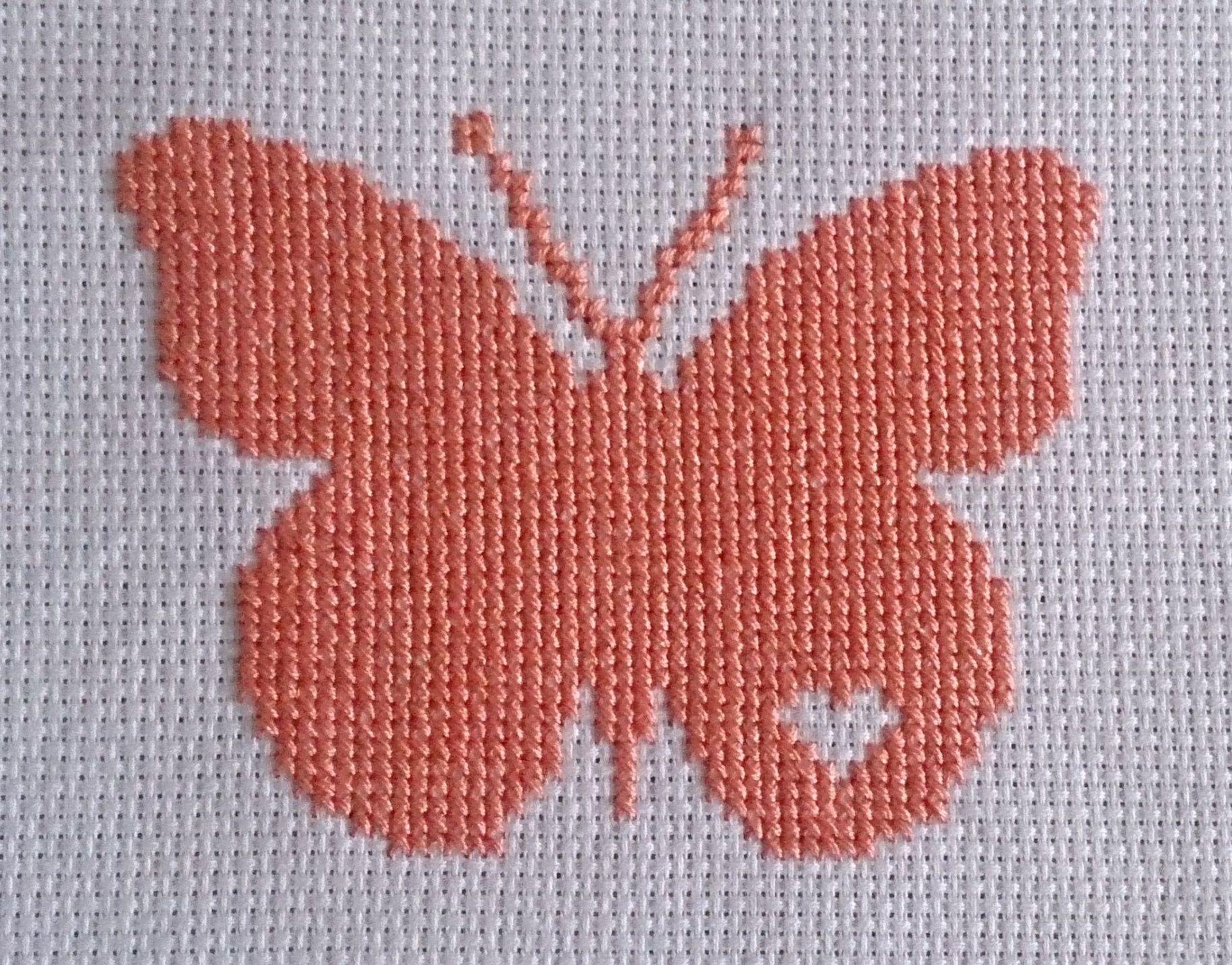 Dibujo de Mariposa bordado a punto de cruz en color Naranja