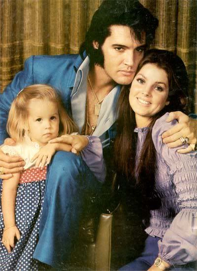 Cantores, Atrizes, Castelos, Lisa Marie Presley, Priscilla Presley, Elvis E  Priscilla b18a815ebd