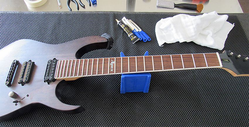 How to clean polish guitar frets the easy way guitar