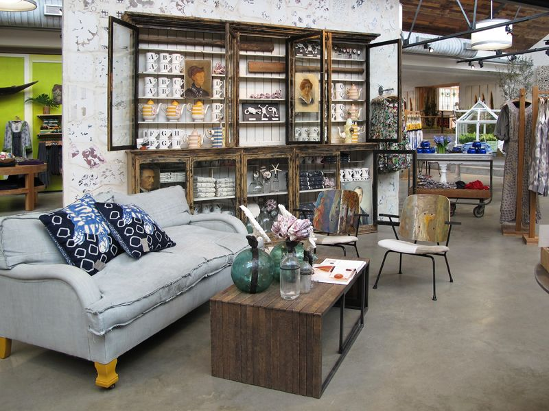 retail vm visual merchandising home adornment retail design shop design anthropologie. Black Bedroom Furniture Sets. Home Design Ideas